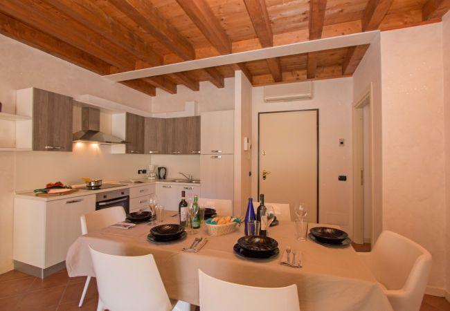 Appartamento a Manerba del Garda - Borgo del Torchio H2