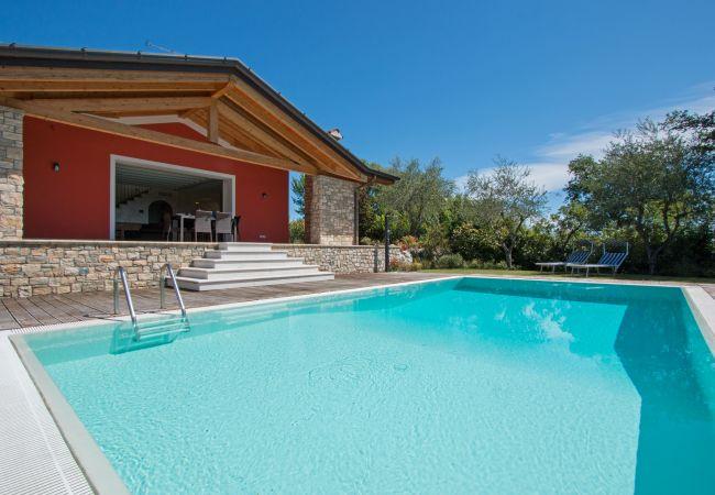 Villa a Moniga del Garda - Villa Marina