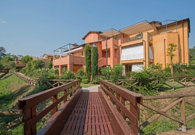 Appartement in Manerba del Garda - Borgo del Torchio H2