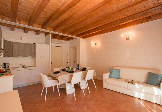 Apartment in Manerba del Garda - Borgo del Torchio H2