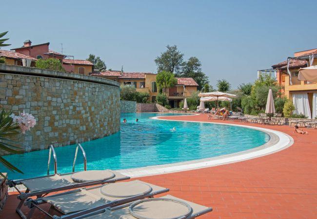 in Manerba del Garda - Borgo del Torchio C6